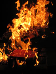 1024px-Book_burning
